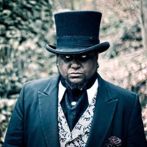"""Steampunk Fabricator and Cosplayer Mark Curtis plays Vampire King Grant in """"Rite of Passage"""""""